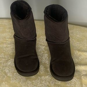 UGG Australia Classic Boot Chestnut Brown F8004